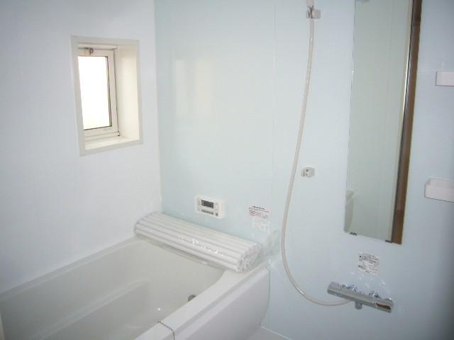 お風呂はいつでも快適に入浴できる追炊き機能付き。1日の疲れを癒せます。