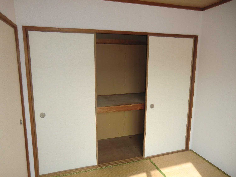 【押入】和室4.5帖のたっぷり収納です