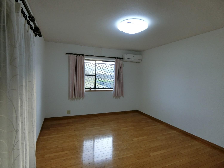 1階 10畳洋室