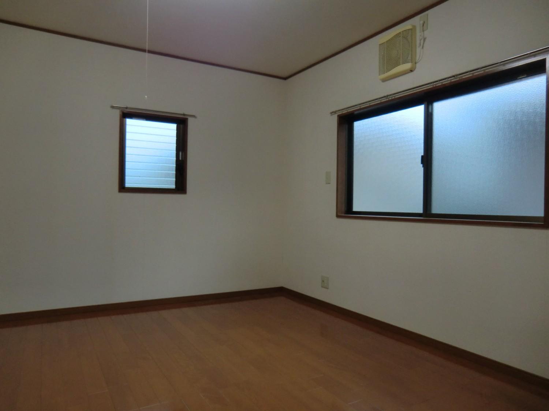 洋室B キッチン横の洋室です