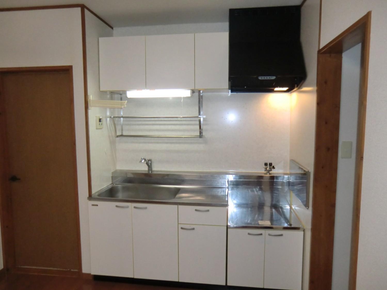 DK 白を基調とした明るいキッチンです