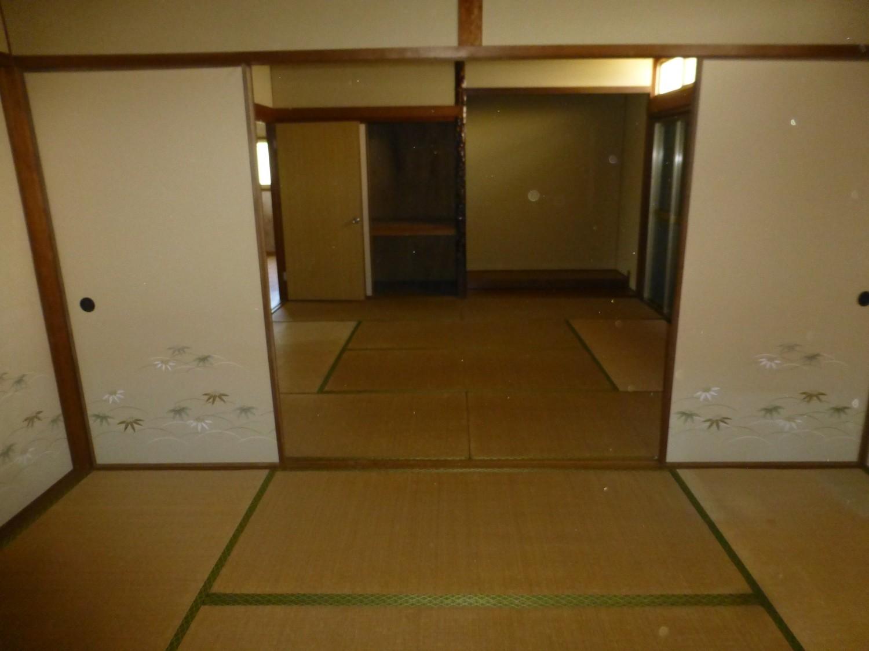 続きの和室8畳