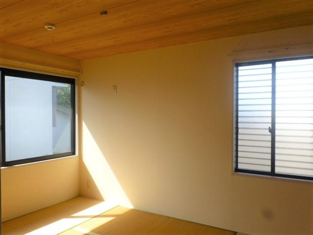 2面採光の明るい和室