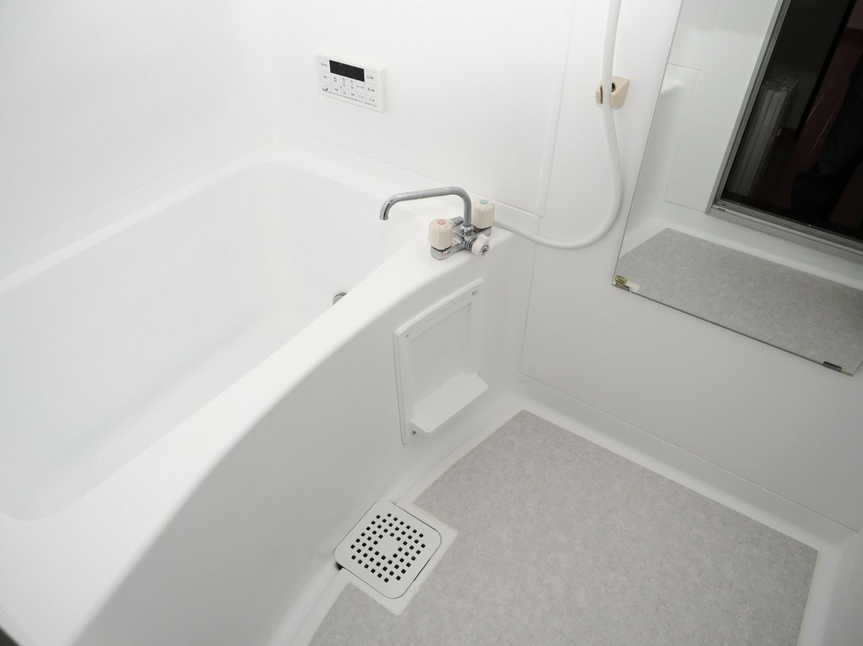 追い焚き機能付きなので、いつでも温かいお風呂に入れますね♪
