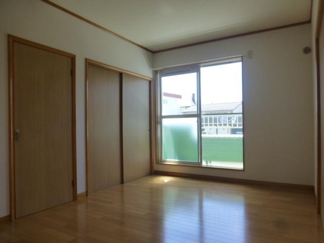 洋室2(バルコニー側)