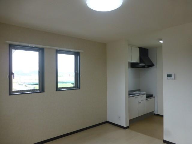 キッチンが独立しているので、生活スペースと空間を分けることができます