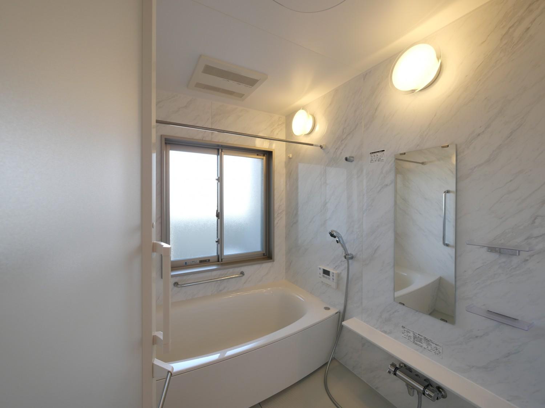 浴室(乾燥機付き)