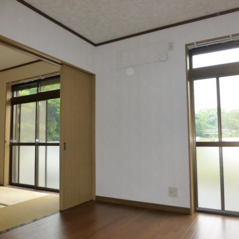 洋室→和室 引き戸を開放を開放すれば広く使えます。