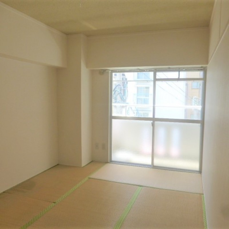 6帖の和室です。畳の部屋も1部屋あると便利です。