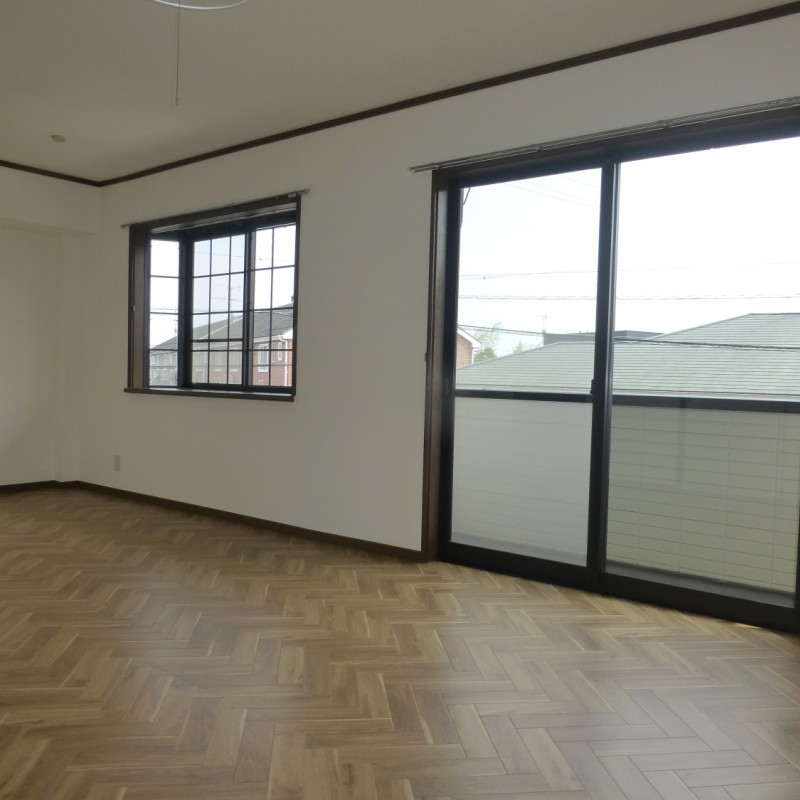 LDK 大きな窓と出窓があります