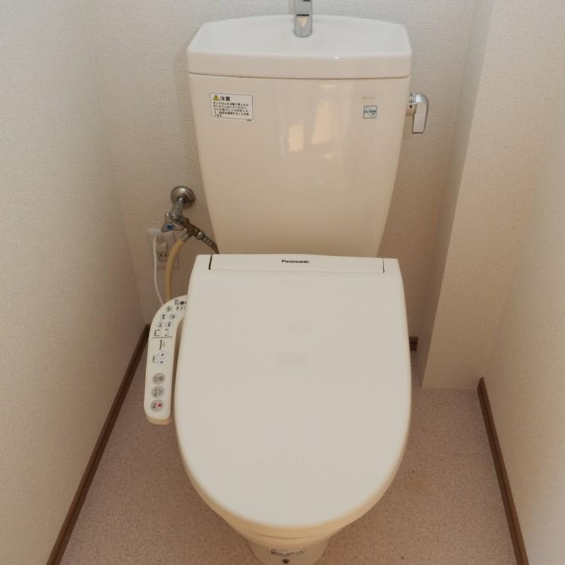 温水洗浄便座付きで快適です♪