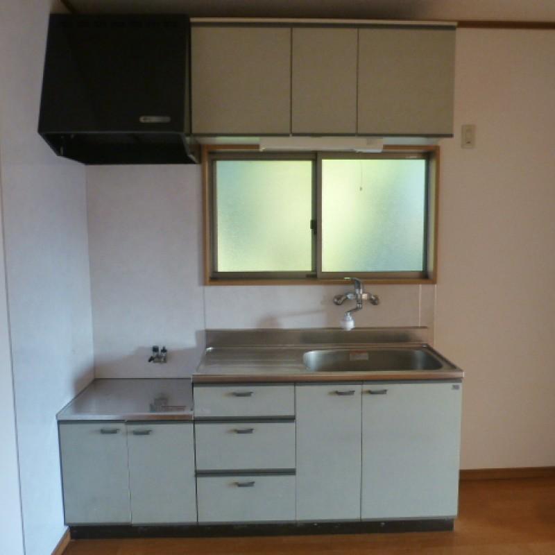 キッチンに窓があるので、換気も良いです♪