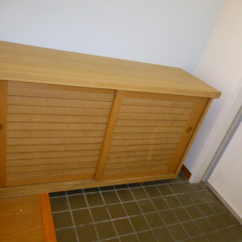 下駄箱は収納豊富です。植物や小物を置くことが出来ます。