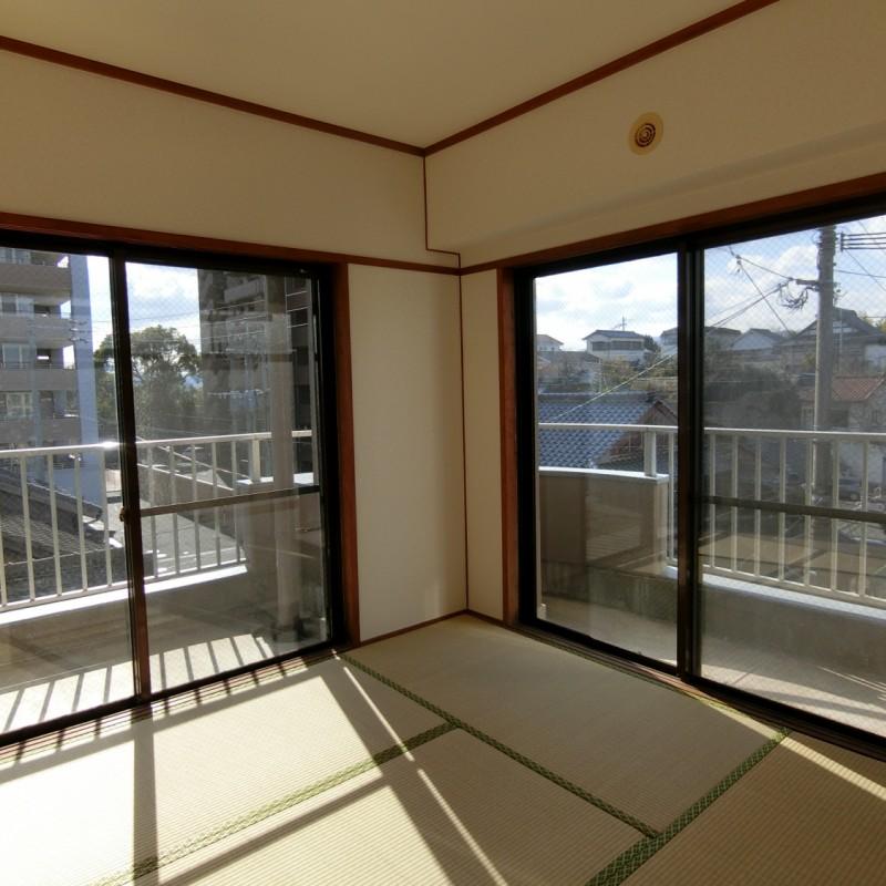 2面窓で開放的な空間が広がります♪