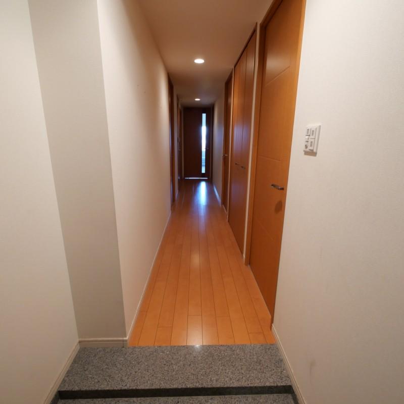 廊下(玄関→リビング)