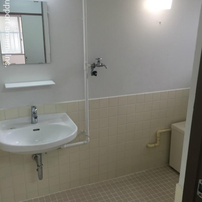 洗面所はバスルーム内です