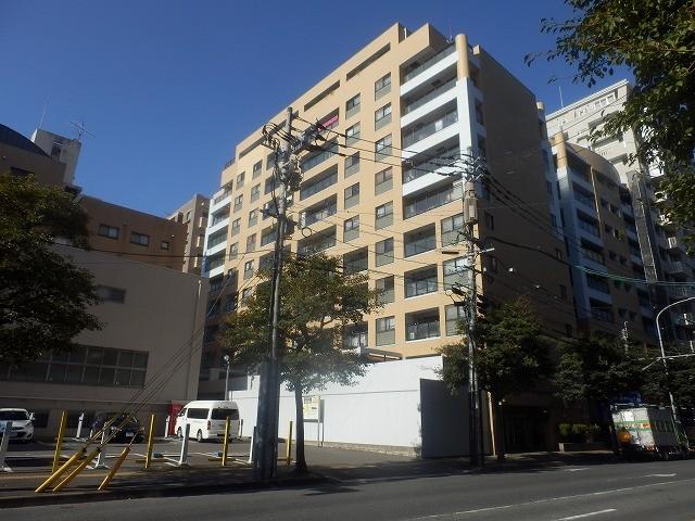 1階はドラックストア・マツモトキヨシ六本松店さんです。