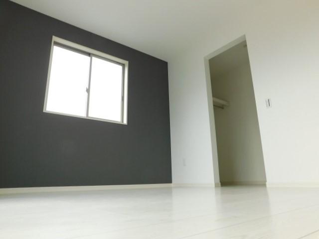 2階洋室Aのウォークインクローゼット