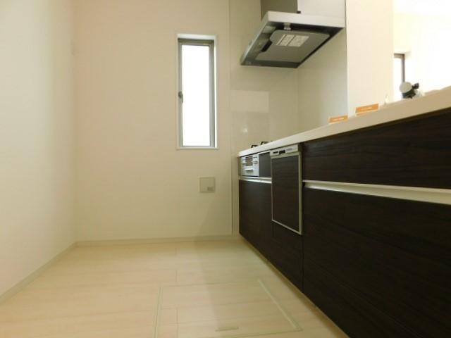 ブラウニーなキッチンと床下収納。お料理がワクワクタイムに。。