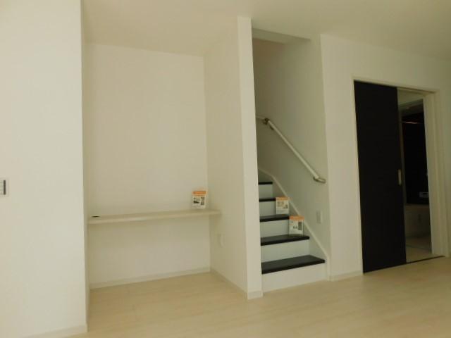 リビング階段デスばい
