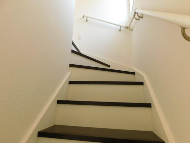 白い階段を抜けるとそこは。。。。