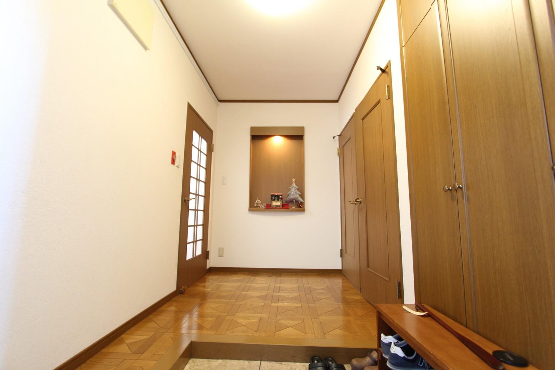 玄関入ってすぐの空間。 季節ごとの飾りつけが可能です。