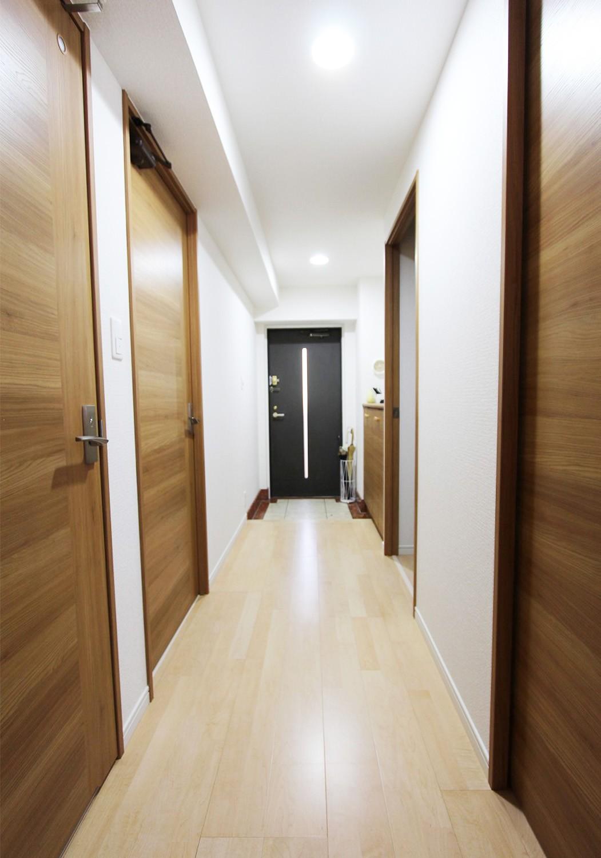 玄関はセンサー付きの照明に変更しておいり、お客様をいつでもお迎えできます♪