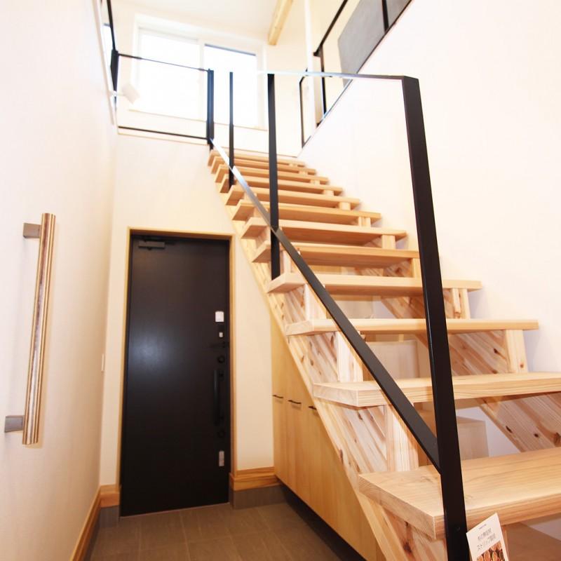 天井も高く、開放的な空間でゆっくりと生活できます。