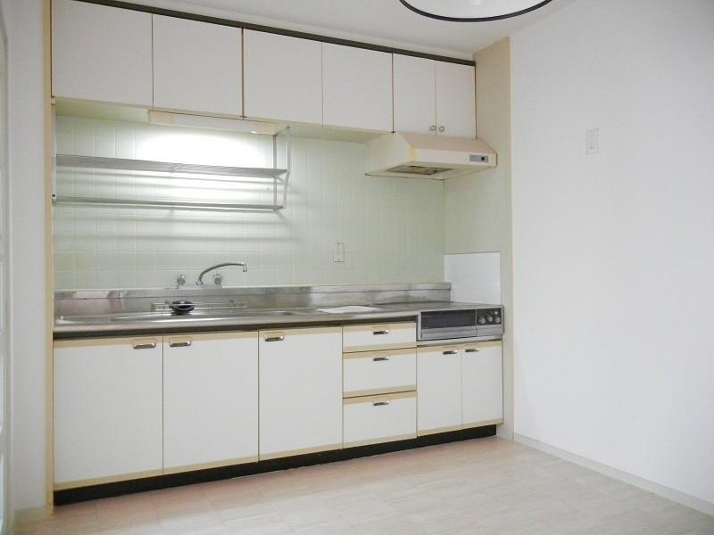 キッチンにはIHクッキングヒーターがついています。