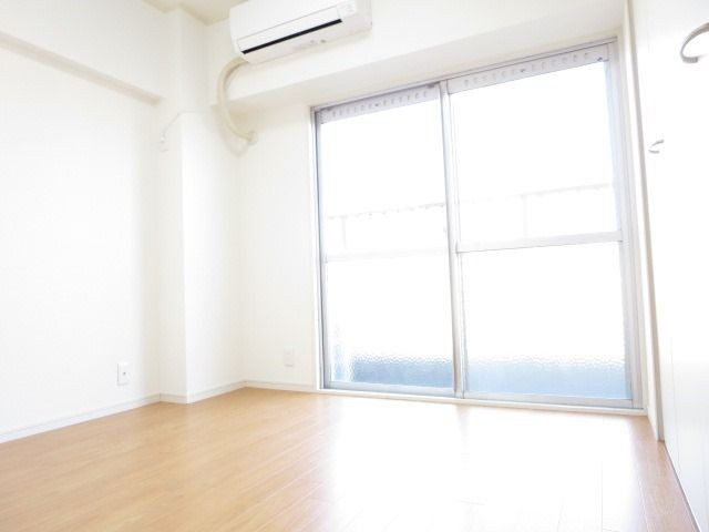 東側の洋室は収納バッチリです☆