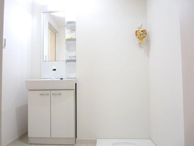 洗面台新品交換済みで気持ちよく使えます☆
