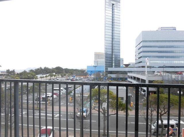 バルコニーからの眺望♪福岡タワーが目の前です