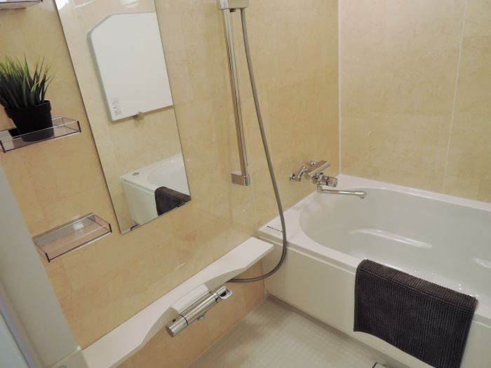 リラックス感ある浴室には暖房乾燥機つきで快適です☆