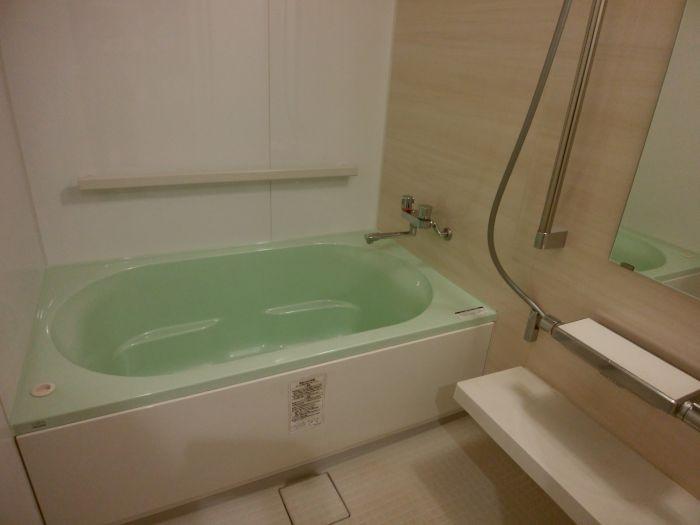 優しい雰囲気の浴室は嬉しい乾燥機つきです☆