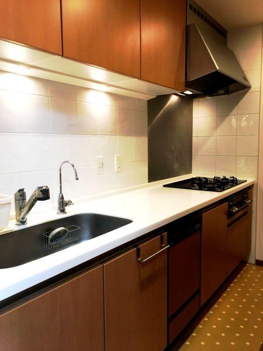 キッチンは独立タイプで来客時にも安心です♪