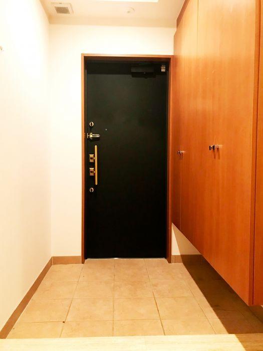 玄関にはシューズボックスつきですっきり片付きます♪
