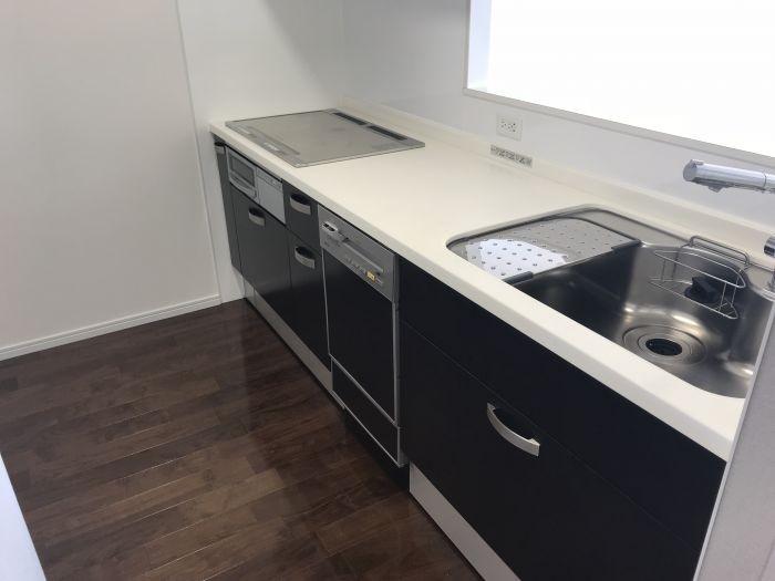 キッチンには食洗機つきで家事がはかどります♪