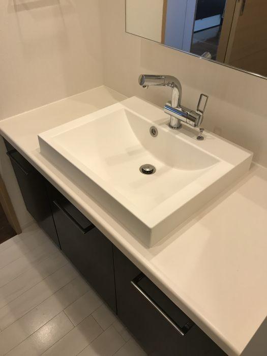 シンプルおしゃれな洗面室です♪