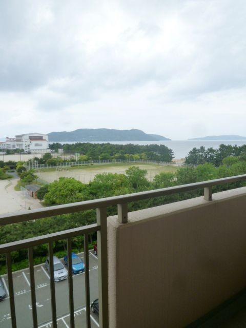 眺望良好!バルコニーから海が見えます♪