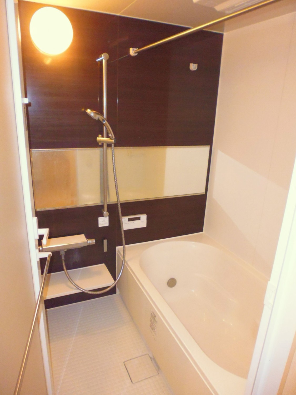 浴室には、梅雨時期に助かる衣類乾燥機能もついています☆