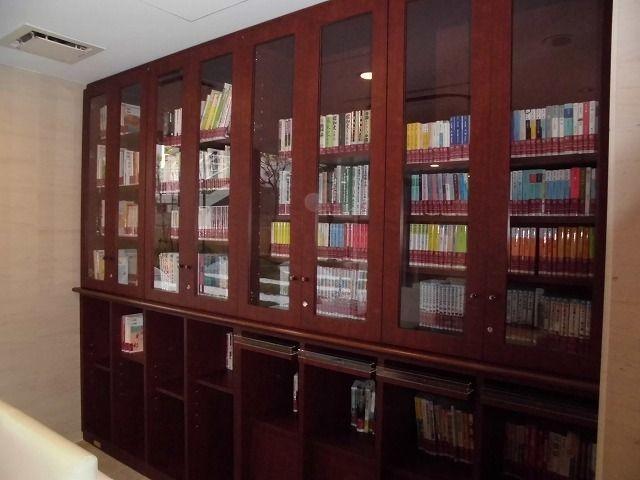 共用スペースには図書館があります☆