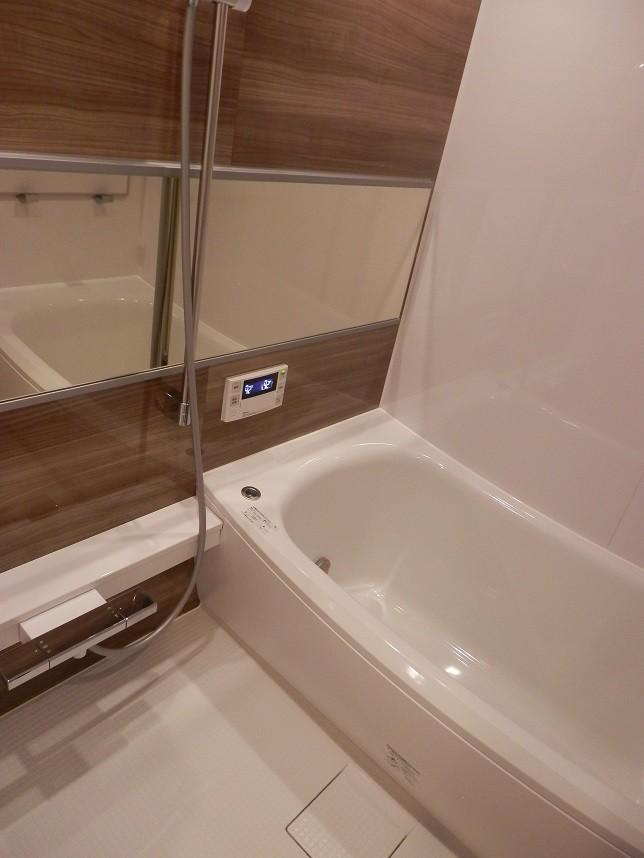 浴室換気乾燥機つきです♪