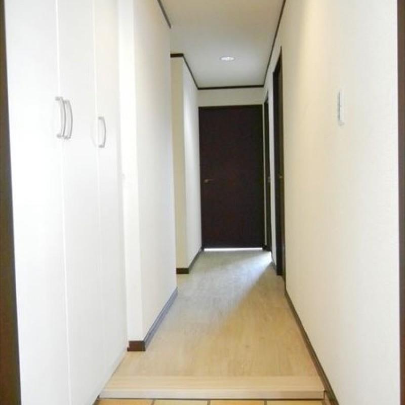 玄関横にはシューズボックスを新設☆すっきり片付きます♪