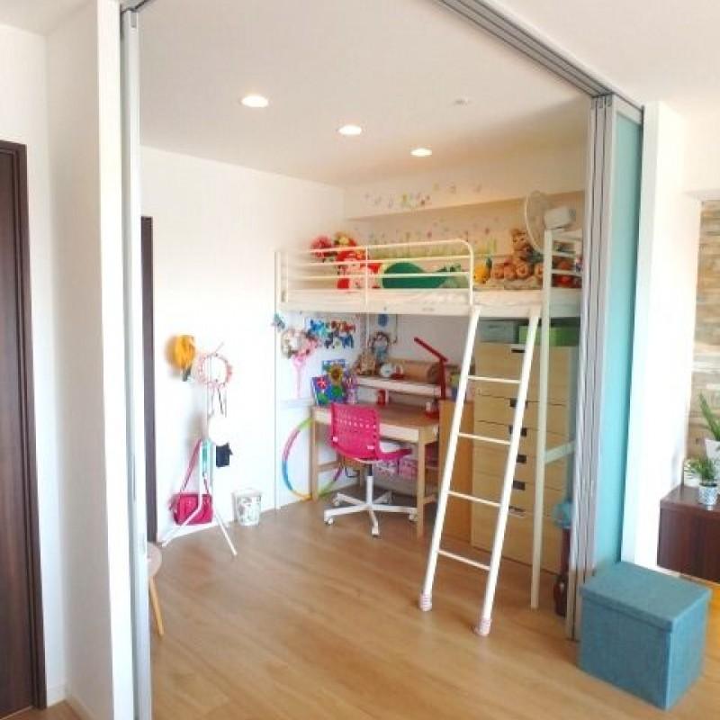 リビング横の洋室は子ども部屋にもぴったりです☆