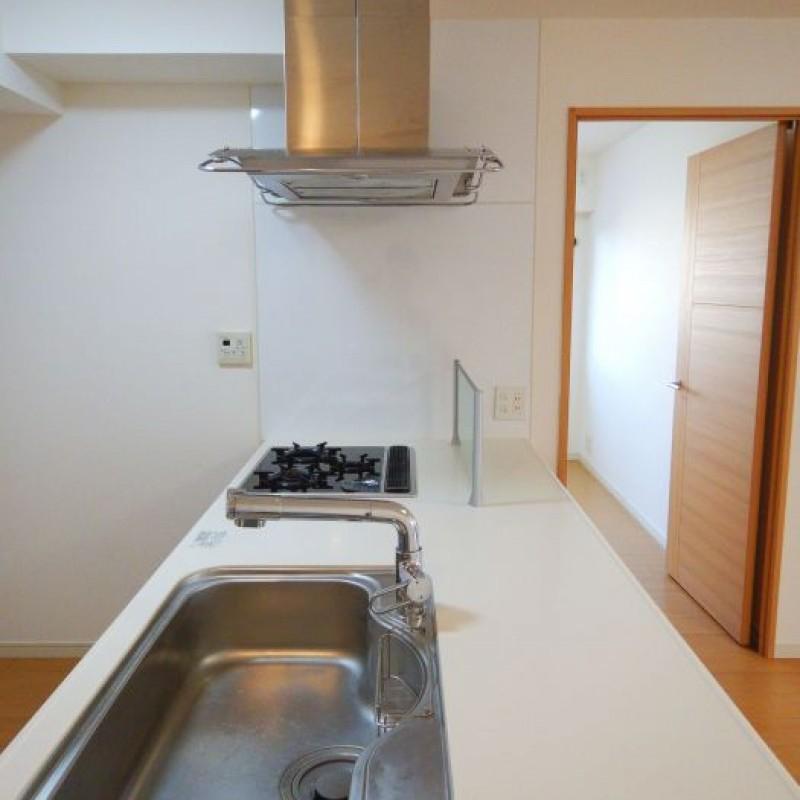 キッチンは作業スペースが広くお料理がはかどります☆