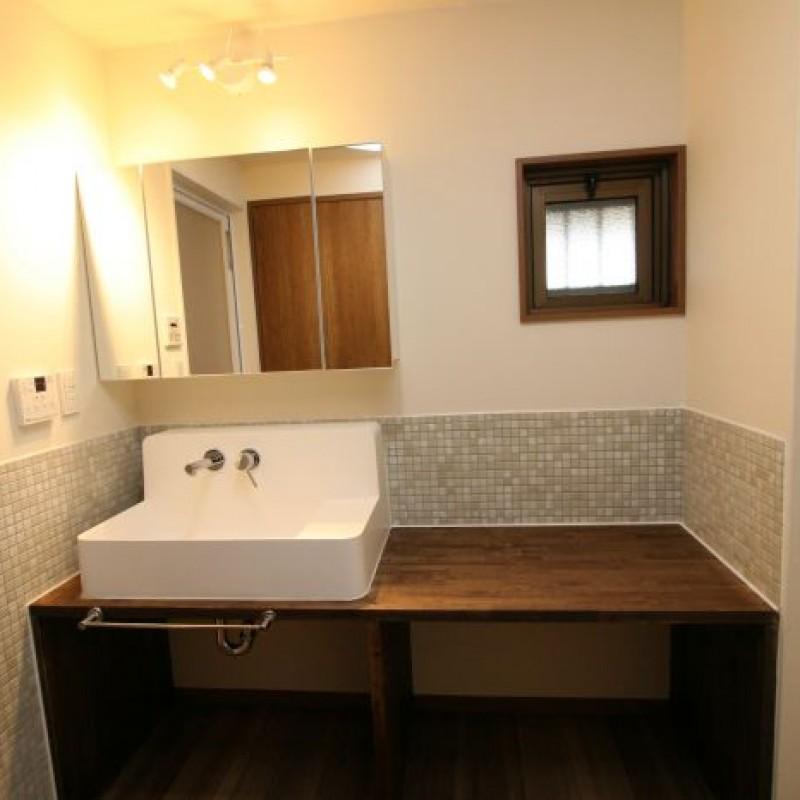 洗面室もホテルのような上質の空間です♪