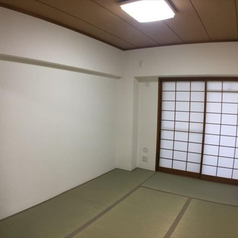 和室もバルコニーに面して明るいです♪