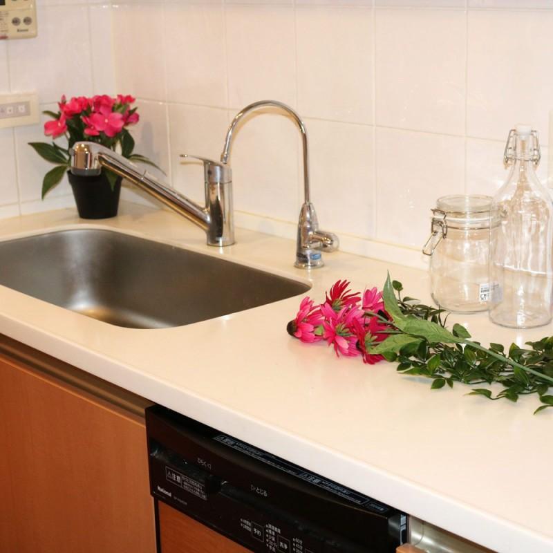 ゆったりとしたキッチンスペース。嬉しい食洗機つきです☆