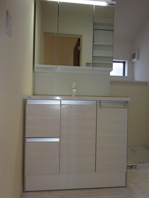 収納豊富な洗面台