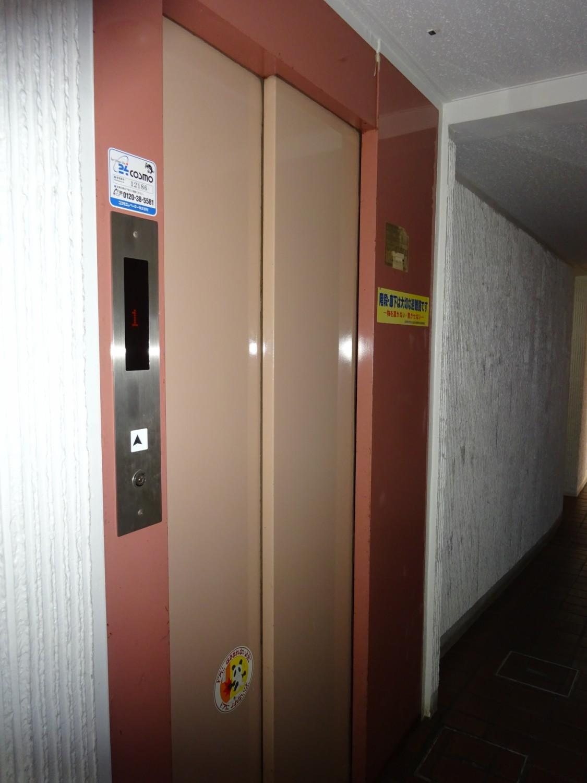 エレベーター2基ー1